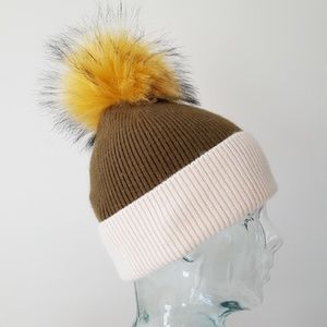 ⏰LAST CHANCE⏰ Norla Canada Ribbed Knit Beanie